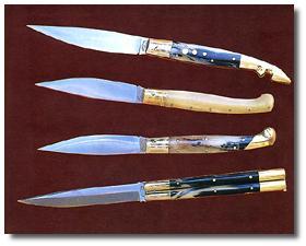 Alcuni oggetti di artigianato sardo - coltelli